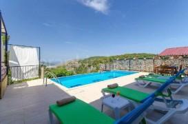 Antalya Kalkan'da kiralık özel havuzlu muhafazakar tatil villası