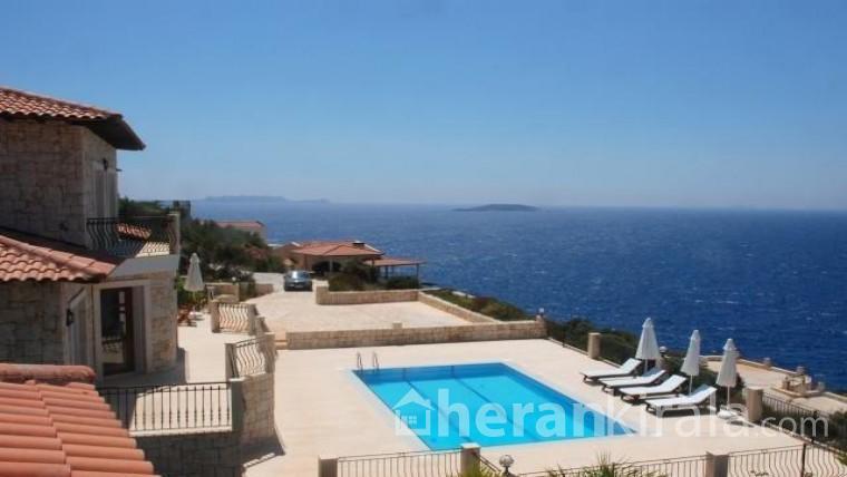 Antalya Kaş'ta lüks havuzlu haftalık kiralık villa
