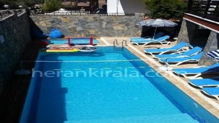 6+1 özel yüzme havuzlu lüx villa
