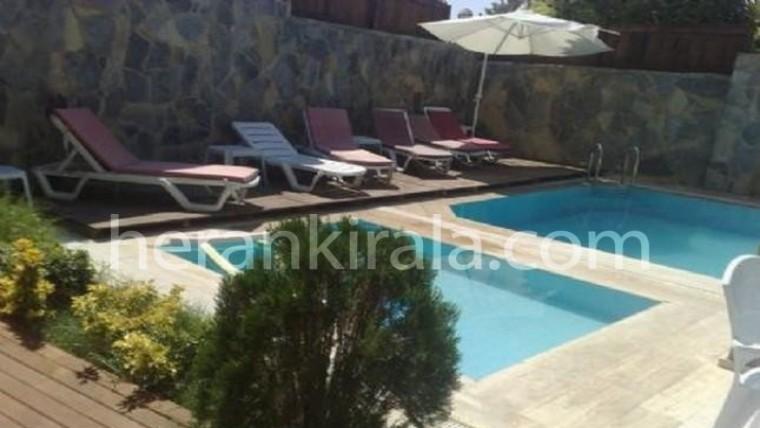 6+1 özel yüzme havuzlu müstakil villa