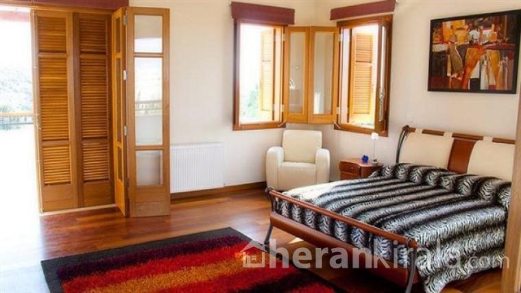Antalya Konyaaltı' nda Lüks  Havuzlu Kiralık Villa/ villa Sema