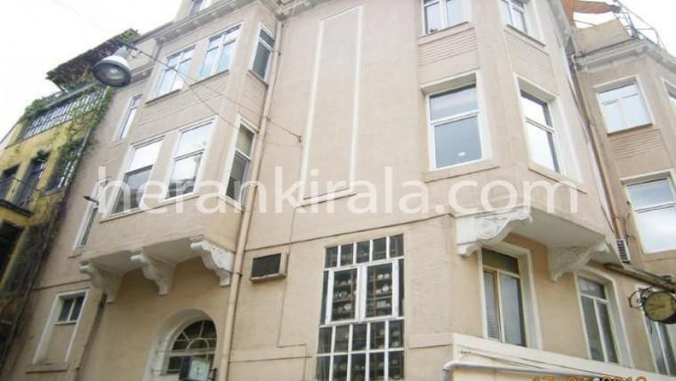 İstanbul beyoğlun da tarihi ve şık binada günlük kiralık apart daire-ev