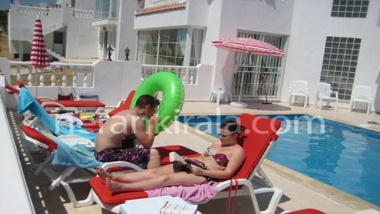 5+1 özel yüzme havuzlu lüx villa