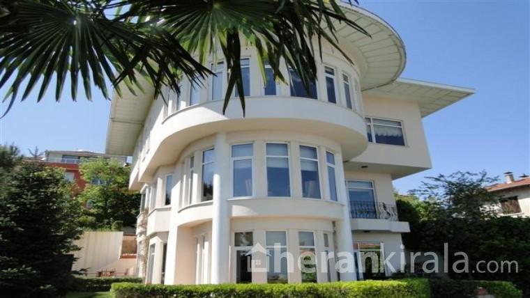İstanbul Heybeliada da Günlük Kiralık Havuzlu Lüx Villa