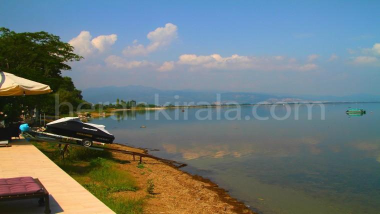 Göle  Sıfır Özel Havuzlu  Villa
