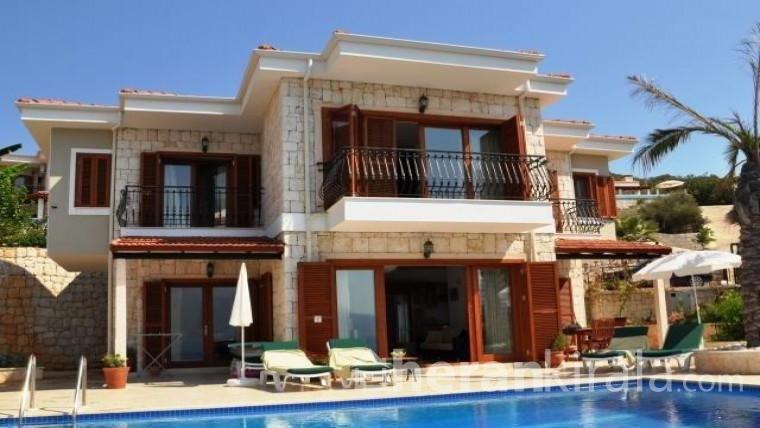 Antalya Kaş  Çukurbağ'da  lüks  havuzlu kiralık villa