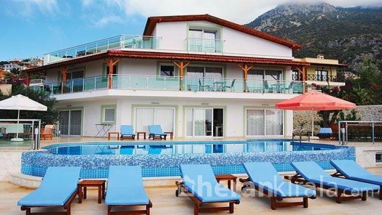 ANTALYA  KAŞ'ta lüks havuzlu yazlık villa