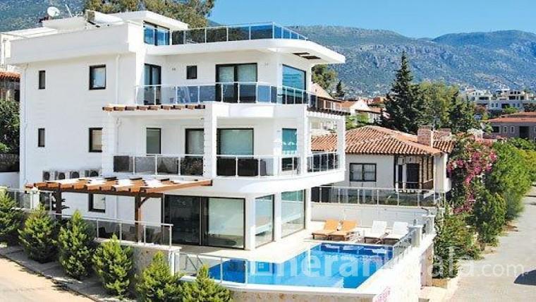 Antalya Kaş'ta lüks  havuzlu kiralık villa
